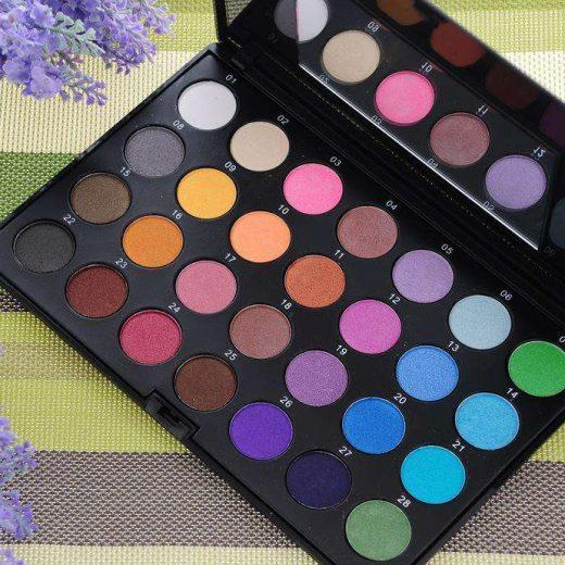 Multicolor pearl eye shadow