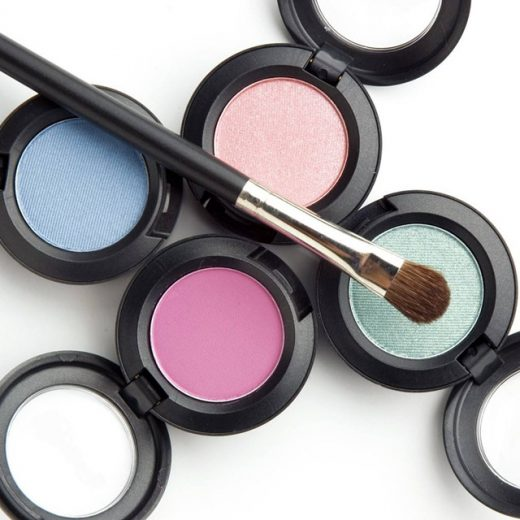 Colorful eyeshadow for lady